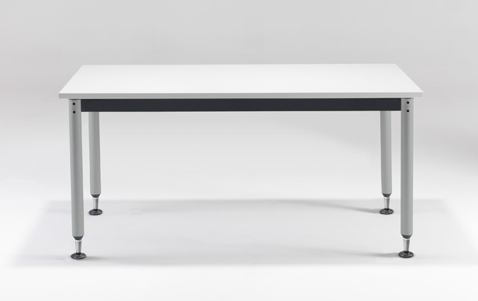 Versatilis table system with alternative foot option