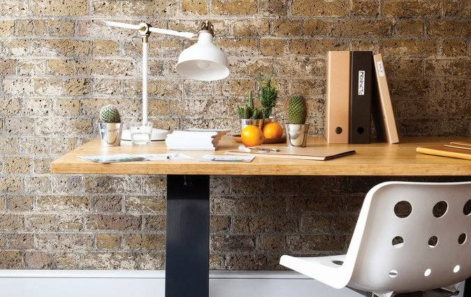 An Muzo Edge industrial table used in home office