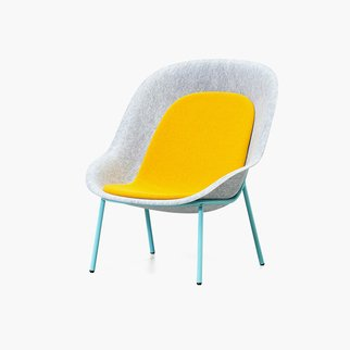 Muzo's customizable Nook lounge chair made from PET felt
