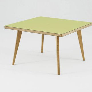 Square Osprey with yellow table top and wooden legs