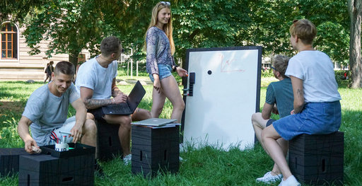An outdoor meeting made easy with Xbrick